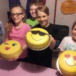 Dorty smajlíků a děti