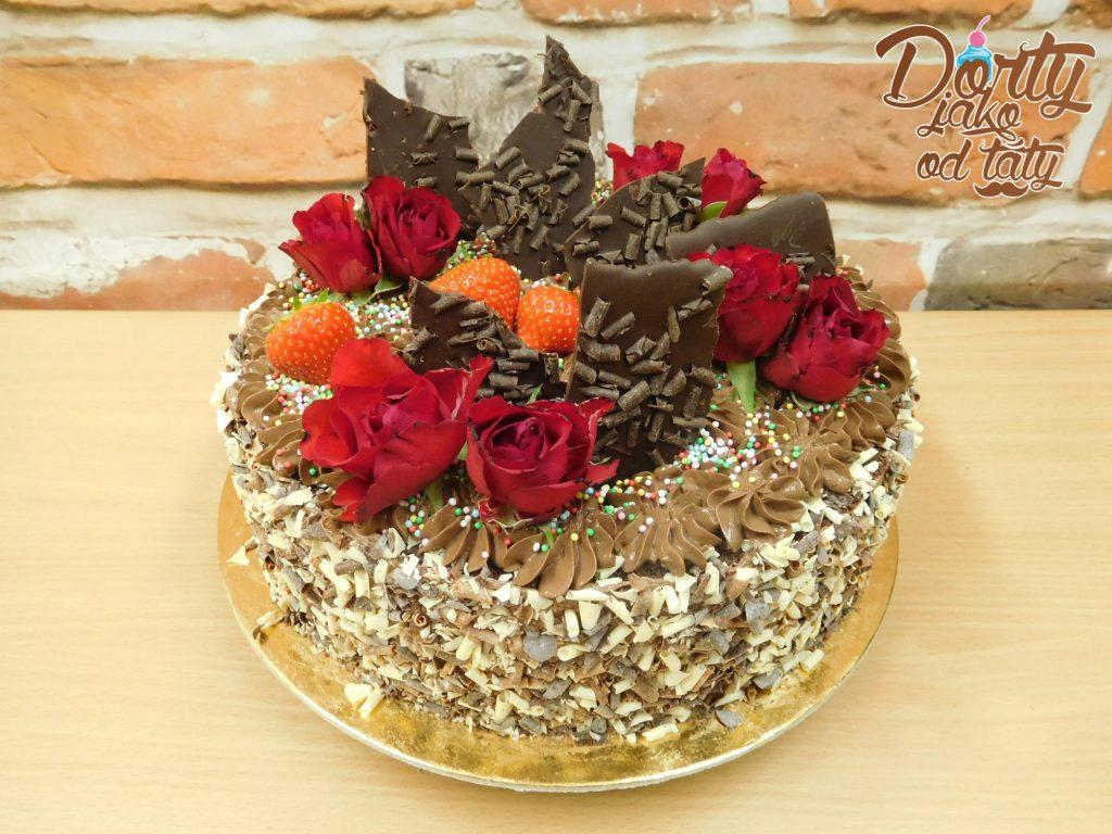 cokoladovy dortik s ovocem