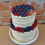 kremovy dort s ovocem