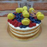 makronky ovoce dort