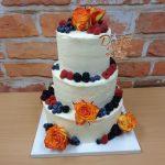 svatba dort kremovy ovoce ruze