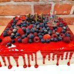 hranaty stekany dort ovoce